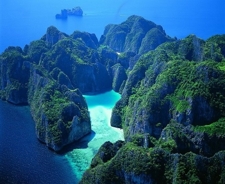 Phi-Phi-Islands-view-from-above